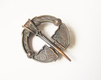 Filigree Miracle brooch: Mid century filigree celtic oxidised brass, traditional Scottish kilt pin, Victoriana pin brooch, signed Miracle