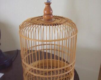 Delicate Wooden Bird Cage Hook for Hanging Door Opens