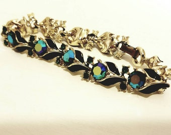 Vintage Lisner ladies bracelet emerald and black