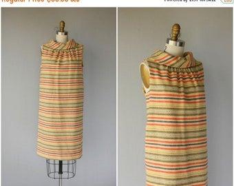 25% OFF FLASH SALE.. Vintage 1960s Wool Shift Dress | 60s Dress | 1960s Dress | 60s Striped Dress | 1960s Day Dress - (medium)