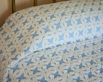 """Pristine Mint Condition Hofmann Gothic Star Sky Blue and Snow White Plush Vintage Chenille Bedspread - 90"""" x 108"""" Full Size"""