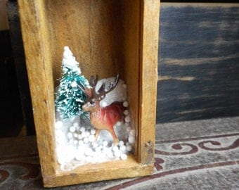Micro Mini Diorama. Deer Buck & Evergreen Snow Nature Scenic Curio. Winter Wonderland . Smalls. Little World. Vintage Dovetail tiny box