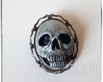 SKULL brooch - wearable art, handsculpted,  handpainted, Memento Mori, goth, mourning, creepy, halloween, horror,