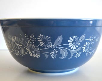 Vintage Pyrex Blue Colonial Mist Daisy Mixing Bowl 403 2.5
