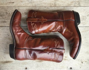 Vintage Lucchese cowgirl boot Women size 8.5 B (run small) brown leather boot, Lucchese cowboy boot, Women's boots, round-toed Western boots