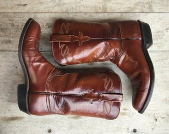 Vintage Lucchese cowgirl boot Women size 8.5 B chestnut brown leather boot, Lucchese cowboy boot, Women's boots, round-toed Western boot