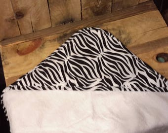 Personalized monogram zebra girl hooded towel,baby shower gift,new baby gift,girl baby gift