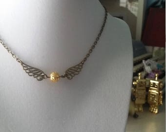 Harry potter quidditch golden snitch necklace