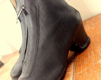 Ladies vintage overshoes boots 1940's Black with front zipper Women's
