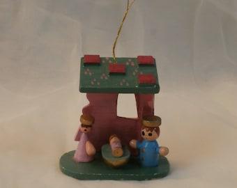 Wooden Nativity Scene Christmas Ornament Vintage Decoration, Enesco 1985 Wood