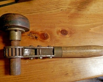 Antique corner ratchet drill brace