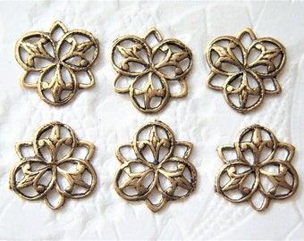 6 -Antiqued brass petite Fleur de lis 3 ring connectors- TM150