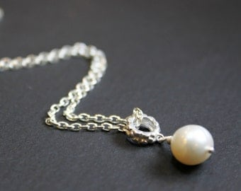 Pearl Minimalist Pendant Necklace, Sterling Silver Chain , Bridesmaid Gift, Wedding Gift