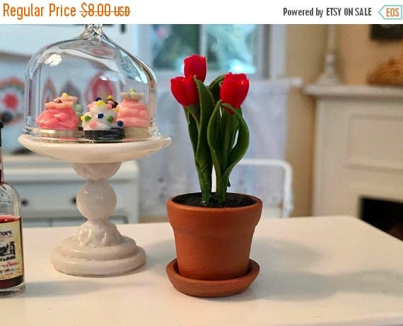 SALE Miniature Red Tulips in Clay Flower Pot With Removable Saucer, Dollhouse Miniature, 1:12 Scale, Dollhouse Flowers, Mini Flower Pot