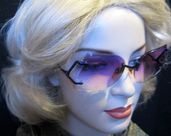 Vintage 1960s 70s Oversized Purple Tinted Rimless Sunglasses, Taiwan R.O.C.