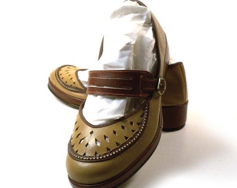 Vintage 1960s Leather Wedge Heel Mary Jane Shoes size 4 Deadstock Never Worn