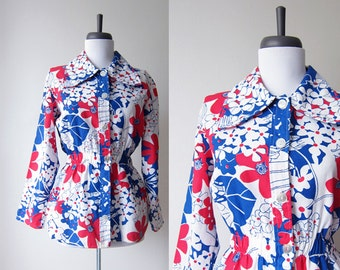 Vintage 1960s Peplum Top Shirt / MOD Floral Print Big Collar Blouse / Size Medium / Size Large /