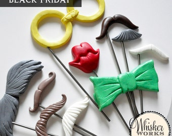 Black Friday Deal -- Set of 10 Plastic Photo Booth Props