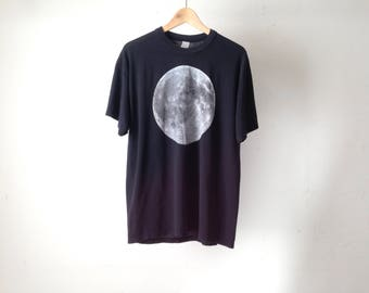 black faded FULL MOON blue moon vintage t-shirt