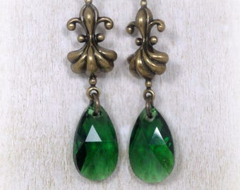 Green Dangle Earrings - Neo Victorian Jewelry Style - Vintage Style