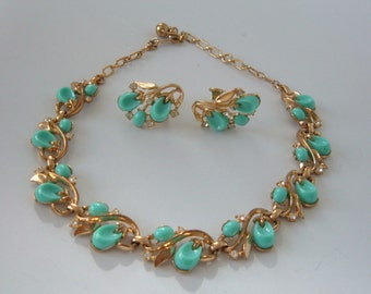 Vintage Crown Trifari Turquoise Pebble Beach Necklace Earrings Set Collar Rhinestones Lucite