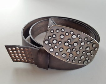 Handcrafted Canadian Belt & Buckle SET Hand Forged Polka Dot Belt Buckle w/ Hand Dyed Leather Slate Woodgrain Snap Belt for Jeans or Chinos