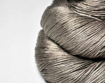 From a snail's point of view - Silk Fingering Yarn - knotty skein