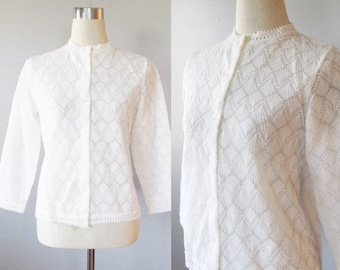 40% OFF SALE Vintage White Knit Cardigan Sweater / 1950's Acrylic Button Up Granny Sweater / Made in Japan Size Medium