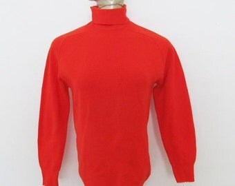 40% OFF SALE Vintage 1970's Red Sweater / Turtle Neck Winter Nylon Sweater Pullover Shirt / Size Small-Medium