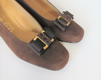 Vintage Brown Suede Leather Pumps / Classic Designer Almudena Ladies 1960's Heels / Made in Spain Shoes Size 37 Euro, 6.5 US