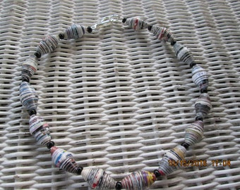 463 Paper Bead Necklace