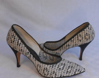 It's All in the Way You See Things - Vintage 1950s Black & White Floral Mesh Heels Pumps Stilettos - 8/8.5