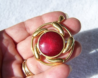 Gold Red Enamel Pendant Brooch
