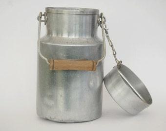 Milk Can, Aluminium milk can with a wooden handle, Farmhouse decor, Metal milk carrier, Kitchen wall decor.