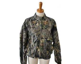 50% off sale // Vintage 80s Mossy Oak Camouflage Jacket // Men Medium // made in America, hunting gear