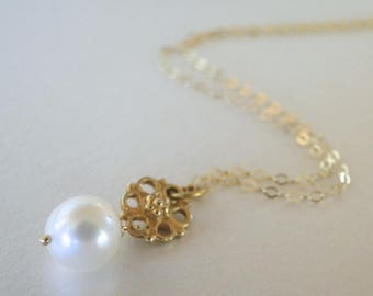 Gold and Pearl Pendant Necklace / Jewelry / Freshwater Pearl Pendant Necklace / Accessories / Mother's Day Gift / Graduation Gift