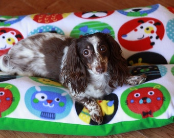 BUNBED, Cute Dogs, Dachshund Dog Bed, Burrow Bed, Colorful Green Dog Bed, Small Dog Bed, Dachshund Bed
