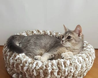 Cat Bed, Chunky Cat Bed, Pet Bed, Cat furniture, Cat Cave