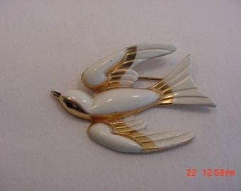 Vintage Coro Flying Bird Brooch  17 - 687