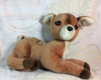 Vintage 1977 Dakin Plush Deer - Laying Stuffed Animal Cute Adorable 70s Kids Toys Woodland