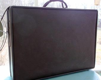 "Suitcase Nice Vintage Hartmann Luggage Large Dark Brown Suitcase 24 1/2 by 18 1/2 x 7 1/2"""