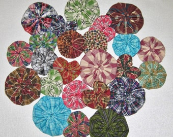 Fabric YoYo Assortment, Homespun, 2 Sizes Plus Hearts, Embellishments, Appliques