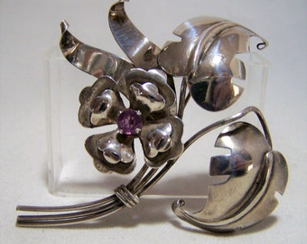 1940s Sterling Silver Floral Leaf Pin Purple Rhinestone Dimensional Brooch 1216Z