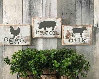 farmhouse kitchen decor. Farmhouse animals. Cow, pig, chicken