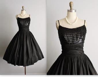 50's Party Dress // Vintage 1950's Black Sequin Taffeta Full Cocktail Party Prom Dress M