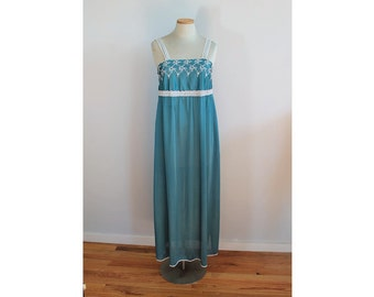 1970s Teal Nightgown // Spotlight Co