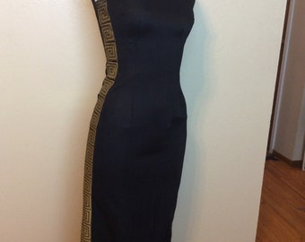 Vintage 1960s HOT Alfred Shaheen long Wiggle dress with Mandarin Collar and Gold Grecian print down the side!! Size Small