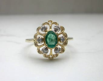 Vintage Solid 14k Yellow Gold Emerald and Diamond Filigree Ring, Size 8