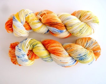 """Hand dyed speckled sock yarn -  4 ply fingering, Sock&Roll base - Colourway """"500 days of summer"""""""