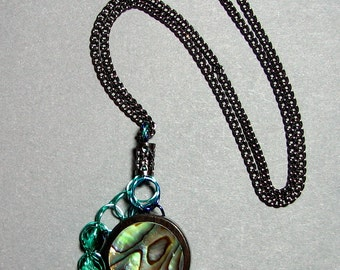 Adjustable Wire Crochet Pendant of Abalone/Wood and Czech Glass